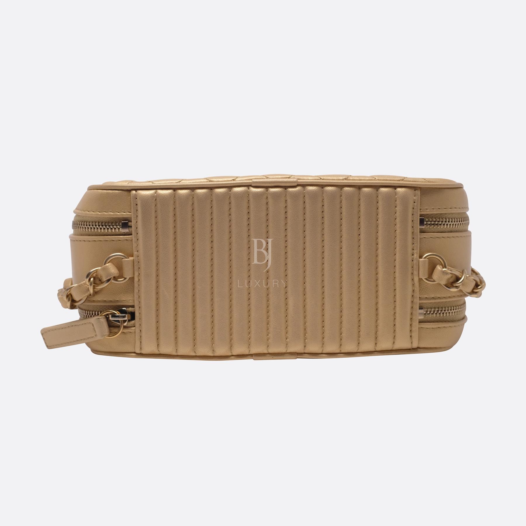 Chanel Camera Case Medium Brushed Gold Calf Gold BJ Luxury 13.jpg