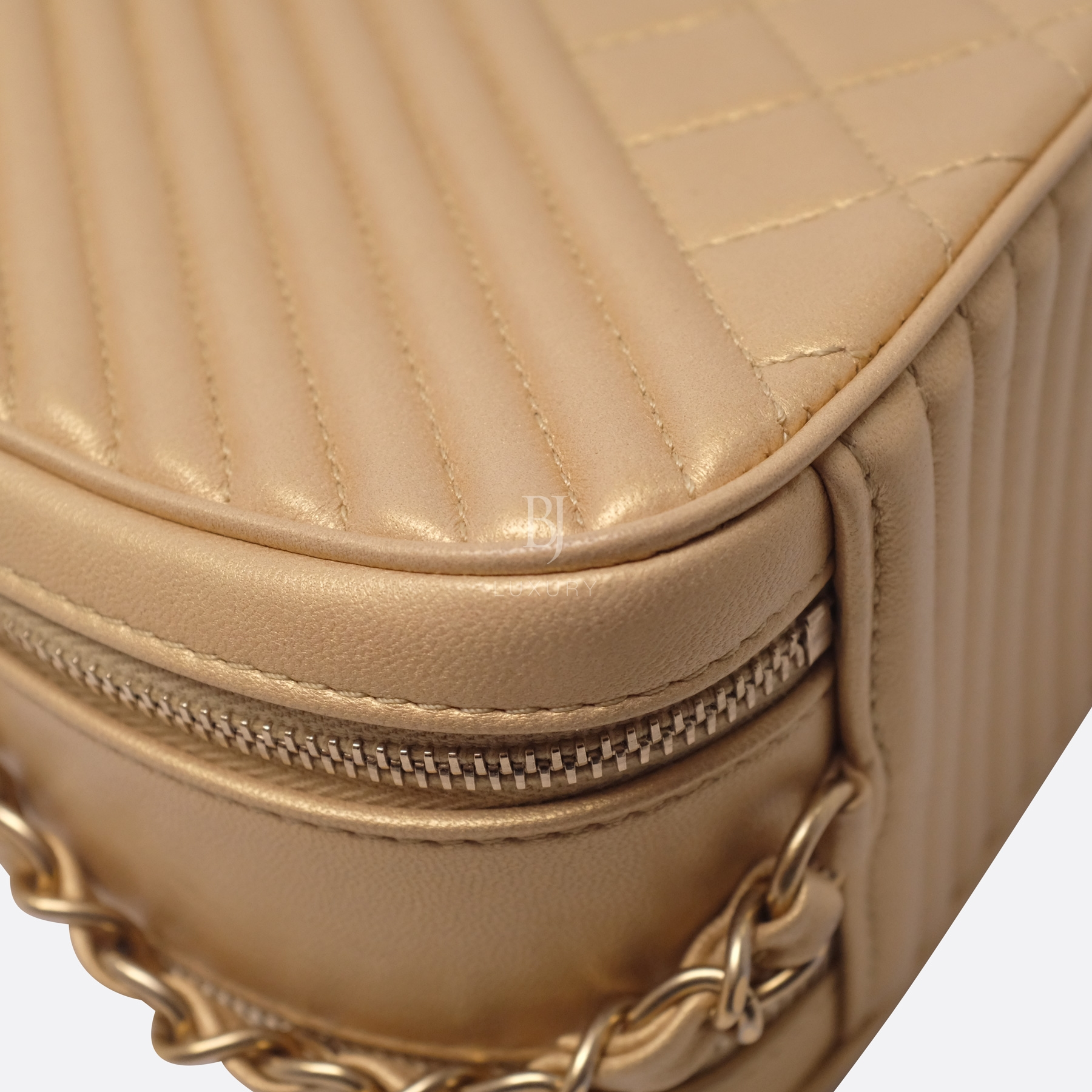 Chanel Camera Case Medium Brushed Gold Calf Gold BJ Luxury 17.jpg