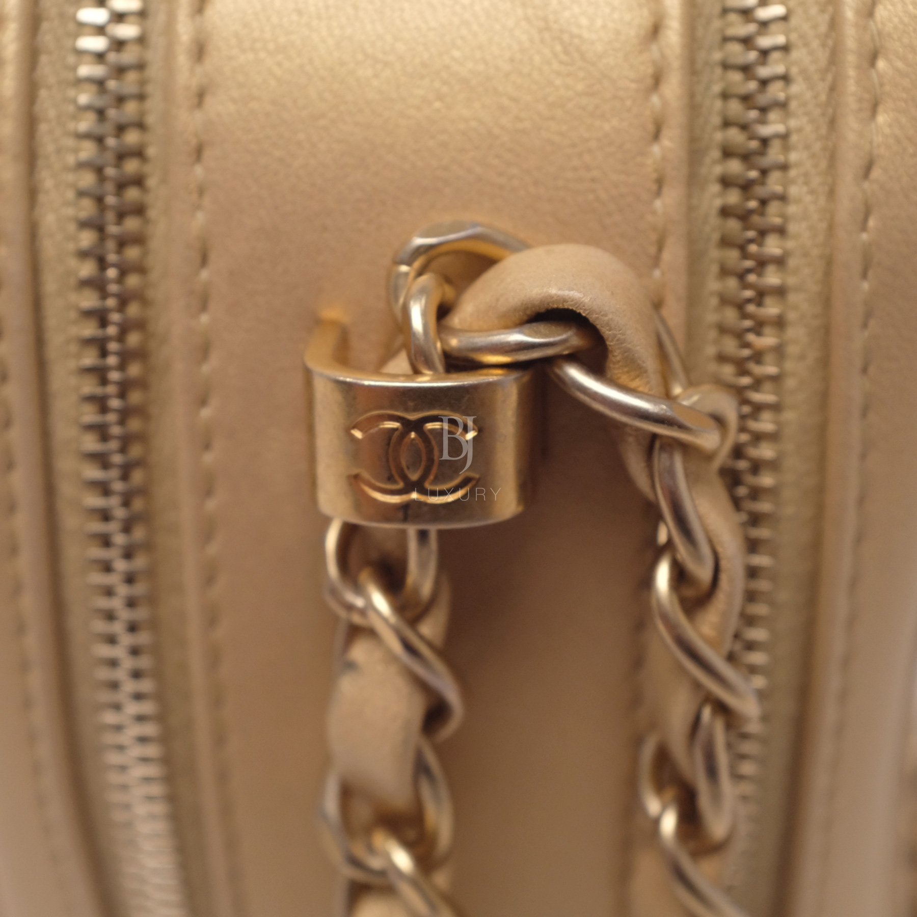 Chanel Camera Case Medium Brushed Gold Calf Gold BJ Luxury 6.jpg