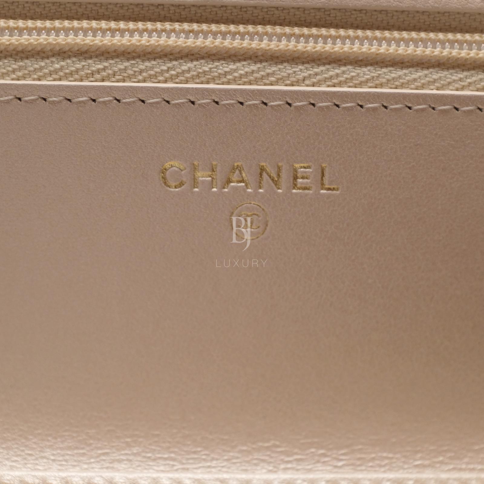 Chanel Wallet on Chain Mini Lambskin Light Gold BJ Luxury 13.jpg