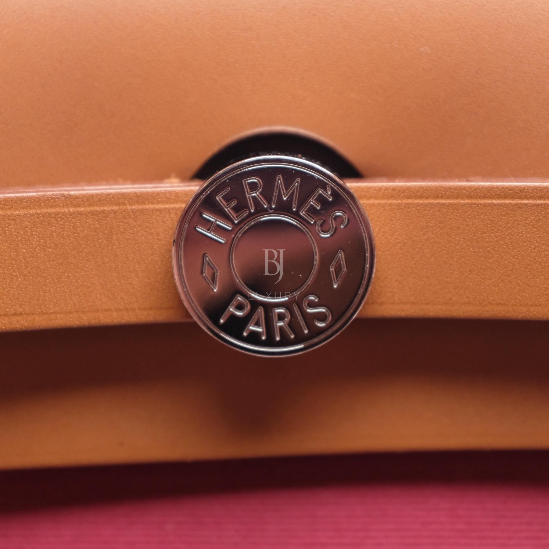 Hermes Herbag 31 Rubis Canvas Vache Palladium BJ Luxury 8.jpg