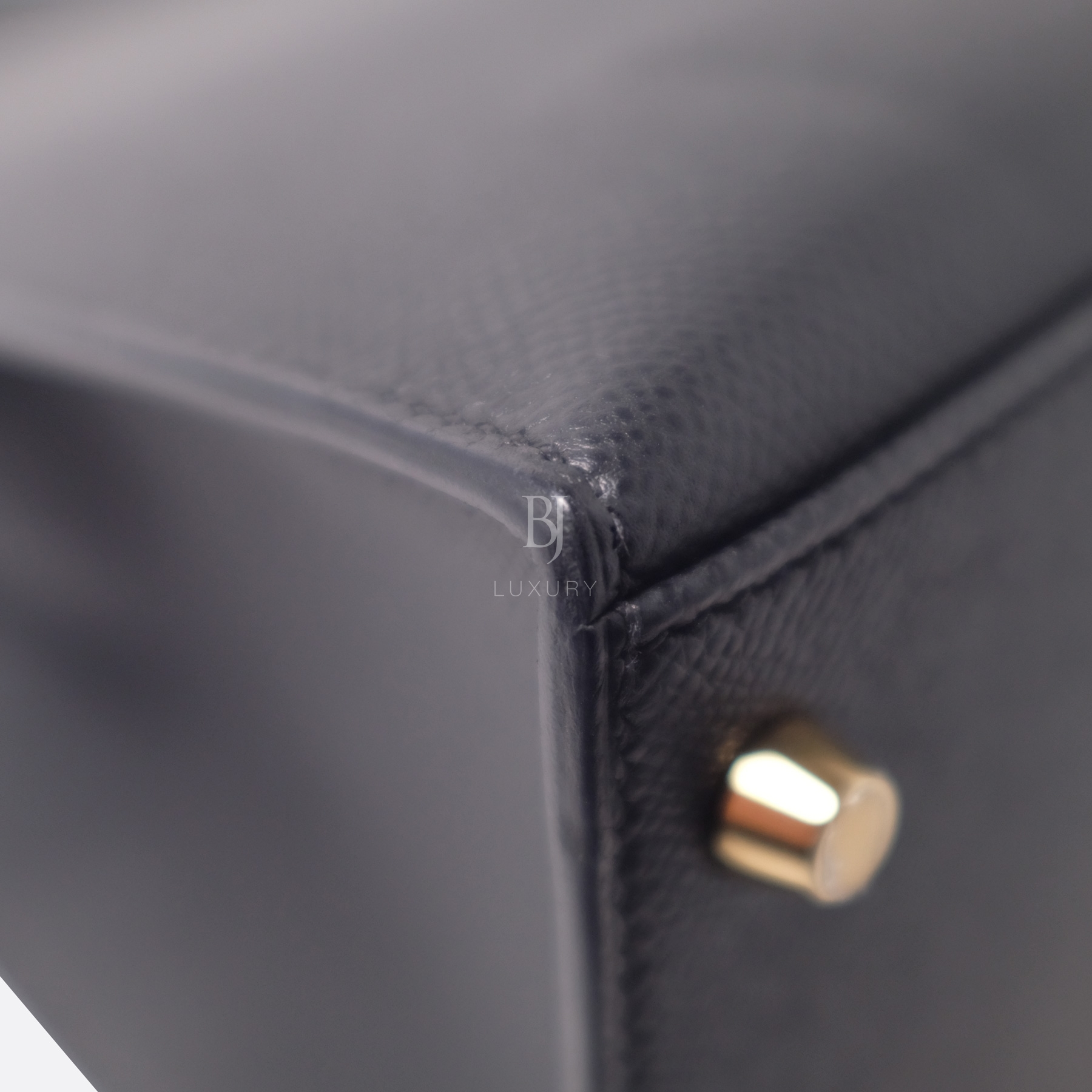 Hermes Kelly Sellier 28 Black Epsom Gold BJ Luxury 19.jpg